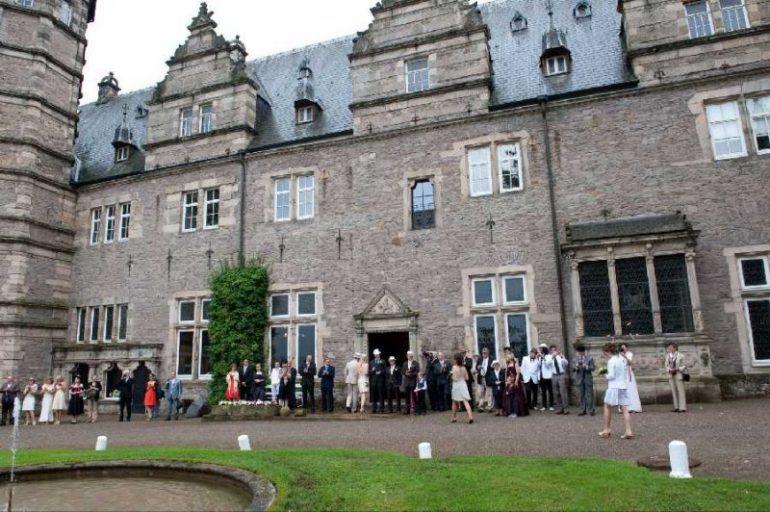 0418 770x512 - Ella und Evan auf Schloss Hämelschenburg