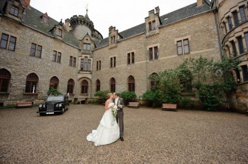 0433 sg1 4163 monitor pixelgaertner 493x327 - Tanja und Tom auf Schloss Marienburg