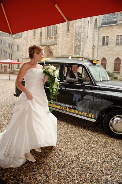 0478 sg1 4317 monitor pixelgaertner - Tanja und Tom auf Schloss Marienburg