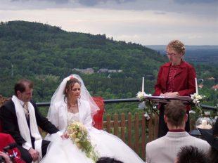 100 4396 310x232 - Astrid und Willi auf der Terrasse des Maltermeister Turm Goslar