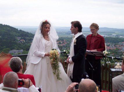 100 4414 427x320 - Astrid und Willi auf der Terrasse des Maltermeister Turm Goslar
