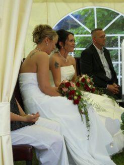 Hochzeit 190 246x328 - Janine & Anke in Laves Lounge Hildesheim