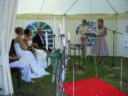 Hochzeit 191 438x328 - Janine & Anke in Laves Lounge Hildesheim