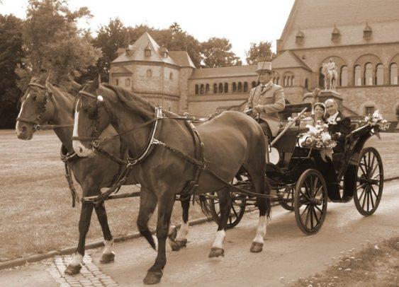IMG 8615 563x406 - Marina & Frank im Garten des St. Annen Hauses Goslar