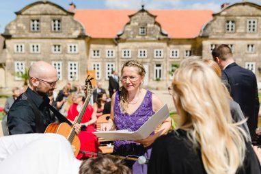 Elke Rott - Die Zeremonie - Freie Trauung Blankenburg Harz - Foto Ben Kruse