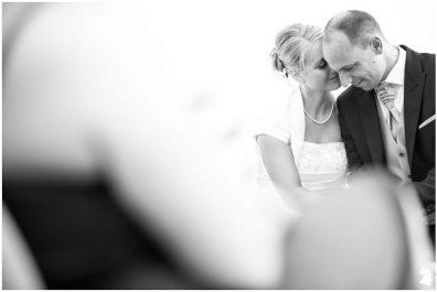 """fotograf alexander hahn 27 509f 396x265 - Anne und Stefan - Ein besonderes \""""Ja!\"""" am See"""