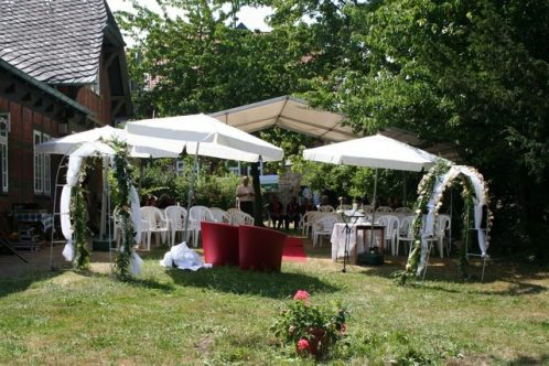 fuhr 079 498x332 - Marina & Frank im Garten des St. Annen Hauses Goslar