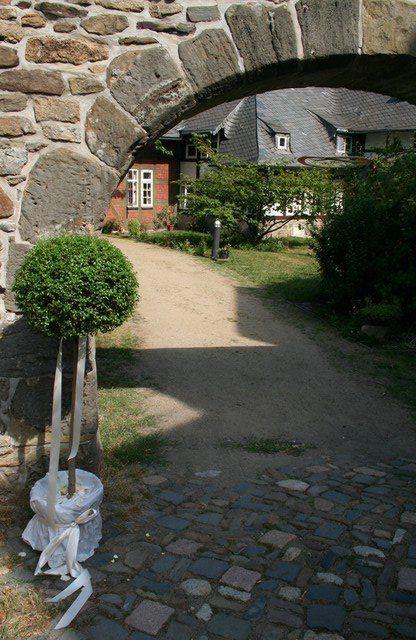 fuhr 132 - Marina & Frank im Garten des St. Annen Hauses Goslar