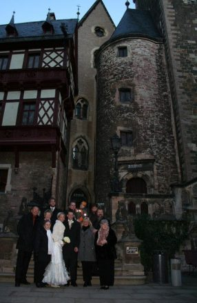 hip 097 286x440 - Corinna & Patrick im Wernigeröder Schloß