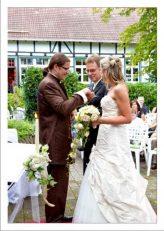hoa 126 kopie 164x231 - Isabel und Sebastian im Garten des Waldhaus Osterwieck
