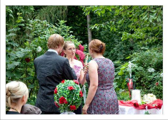 hoa 143 kopie 570x407 - Isabel und Sebastian im Garten des Waldhaus Osterwieck