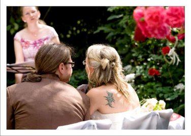 hoa 156 kopie 376x268 - Isabel und Sebastian im Garten des Waldhaus Osterwieck