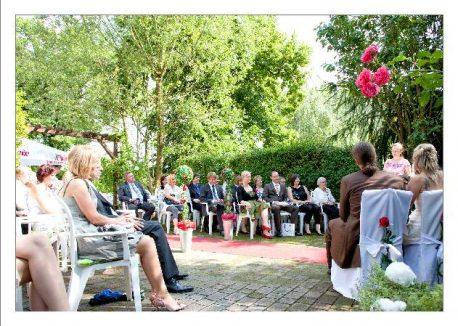 hoa 167 kopie 458x326 - Isabel und Sebastian im Garten des Waldhaus Osterwieck