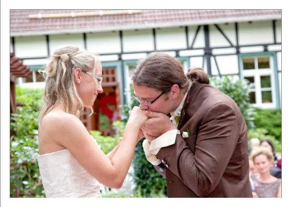 hoa 241 kopie 570x406 - Isabel und Sebastian im Garten des Waldhaus Osterwieck