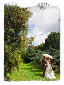hoad 15 kopie 247x329 - Isabel und Sebastian im Garten des Waldhaus Osterwieck