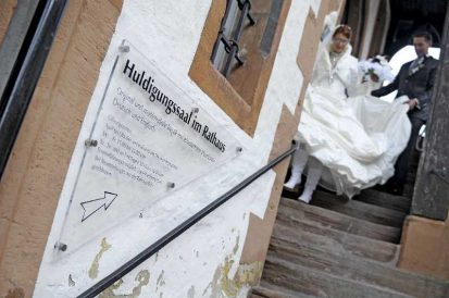 hochzeit hase 0483 413x274 - Eva und Hendrik - Ein Wintermärchen in Goslar