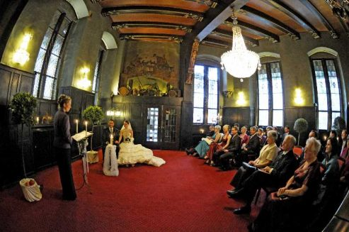 hochzeit hase 0860 493x327 - Eva und Hendrik - Ein Wintermärchen in Goslar