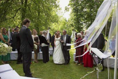 hzj 029 kopie 411x274 - Sina und Tino auf ihrer grünen Hochzeitsinsel - Hildesheimer Haus Buntenbock