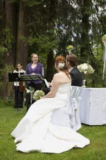 hzj 040 kopie 208x313 - Sina und Tino auf ihrer grünen Hochzeitsinsel - Hildesheimer Haus Buntenbock