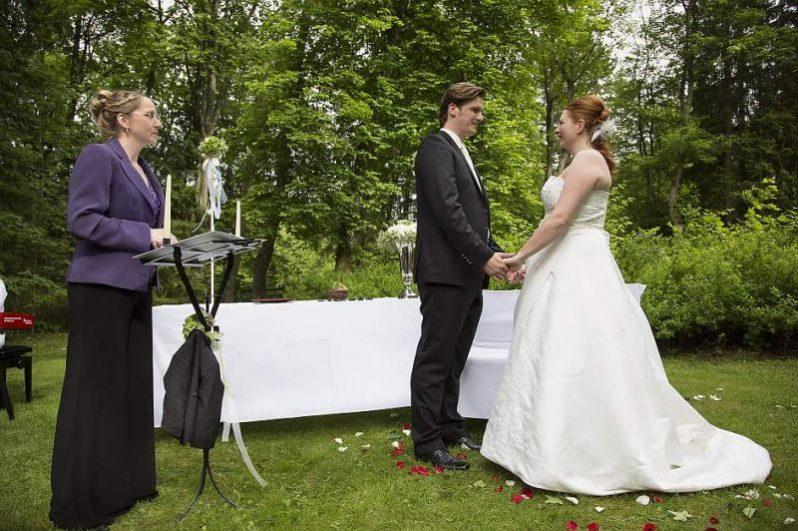 hzj 108 kopie 798x531 - Sina und Tino auf ihrer grünen Hochzeitsinsel - Hildesheimer Haus Buntenbock