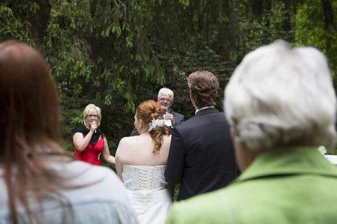 hzj 140 kopie 492x327 - Sina und Tino auf ihrer grünen Hochzeitsinsel - Hildesheimer Haus Buntenbock