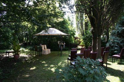 img 0295 412x274 - Sandra und Uwe in Großmutters Garten