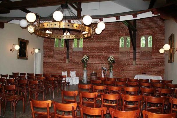 img 0452 608x405 - Tanja und Tom auf Schloss Marienburg