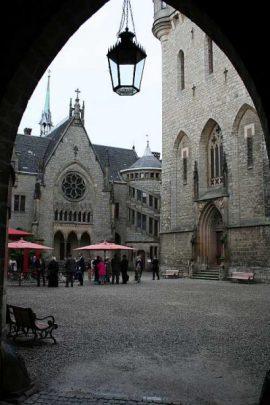 img 0474 270x405 - Tanja und Tom auf Schloss Marienburg