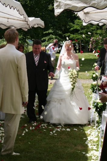 img 9860 354x532 - Sven und Verena auf dem Rittergut Dorstadt