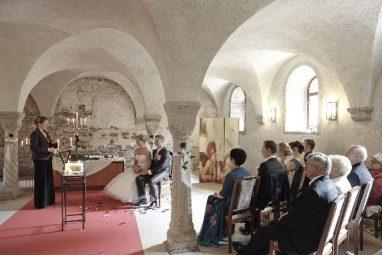 mg 8825b 382x255 - Nadine und Ronny im Kloster Ilsenburg