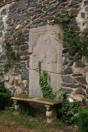 stein 035 183x274 - Das Rittergut Dorstadt