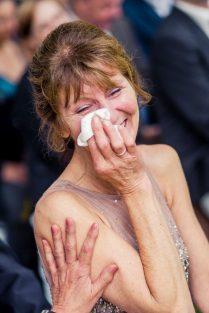 Elke Rott Freie Trauungen Foto Alexander Hahn64 209x313 - Nadja und Sven - Lachen gegen Wetter - im Landhaus am See