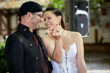 Elke Rott Die-Zeremonie.de Freie Trauung Foto Vivien Paul
