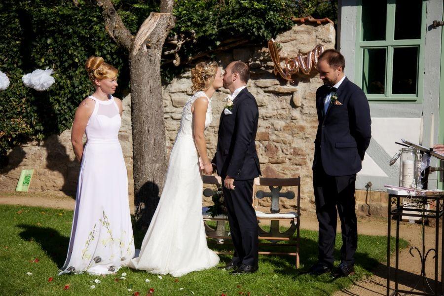 FO7A2221 - Der schönste Dienstag aller Zeiten - Heiraten und Hochzeit feiern mitten in der Woche - Traum-Zeremonie...