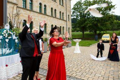 """Hochzeit Marion und Armin Sektempfang 18 von 70 383x255 - Marion & Armin in Blankenburg * Mit """"4 Hochzeiten"""" ins Glück"""
