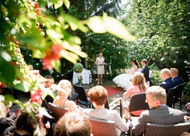 WeddingF 5859 383x276 - Kathrin und Marc im Waldhaus Osterwieck
