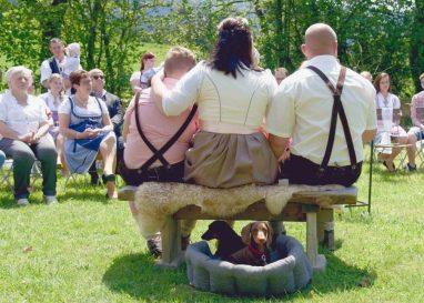 elke rott freie trauung die zeremonie hochzeit harz berge goslar121 382x273 - Verliebt in die Berge - Ela und Maik