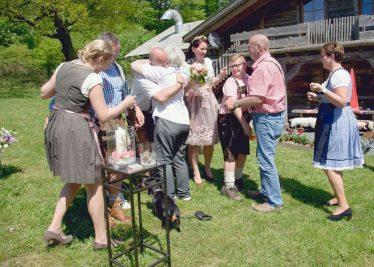 elke rott freie trauung harz berge goslar126 374x267 - Verliebt in die Berge - Ela und Maik