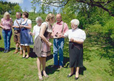elke rott freie trauung harz berge goslar86 365x261 - Verliebt in die Berge - Ela und Maik