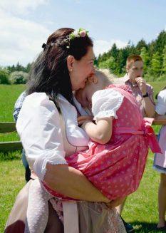 elke rott freie trauung harz berge goslar87 233x327 - Verliebt in die Berge - Ela und Maik