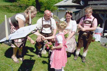 elke rott freie trauung harz berge goslar91 373x249 - Verliebt in die Berge - Ela und Maik