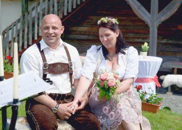 elke rott freie trauung hochzeit harz berge goslar66 375x268 - Verliebt in die Berge - Ela und Maik