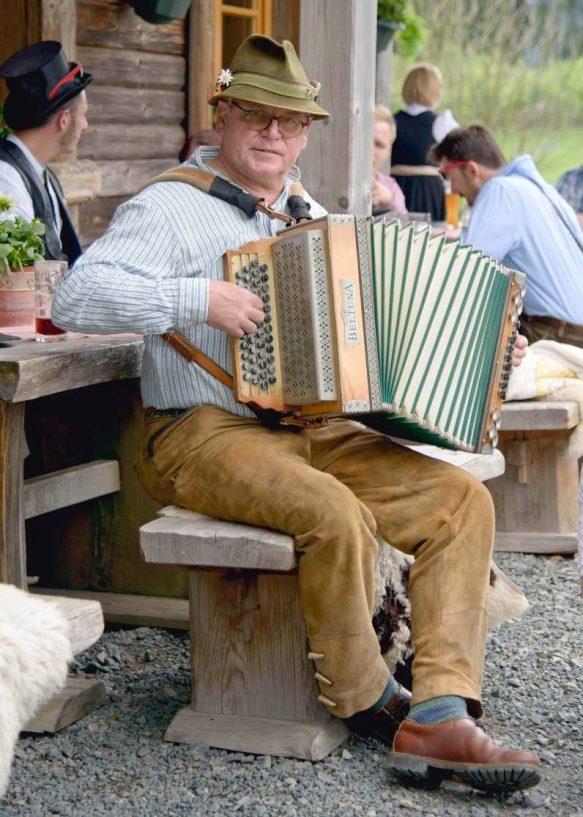 elke rott freie trauungen harz berge goslar09 583x817 - Verliebt in die Berge - Ela und Maik