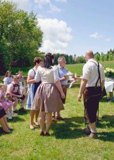 elke rott freie trauungen harz berge goslar51 227x318 - Verliebt in die Berge - Ela und Maik