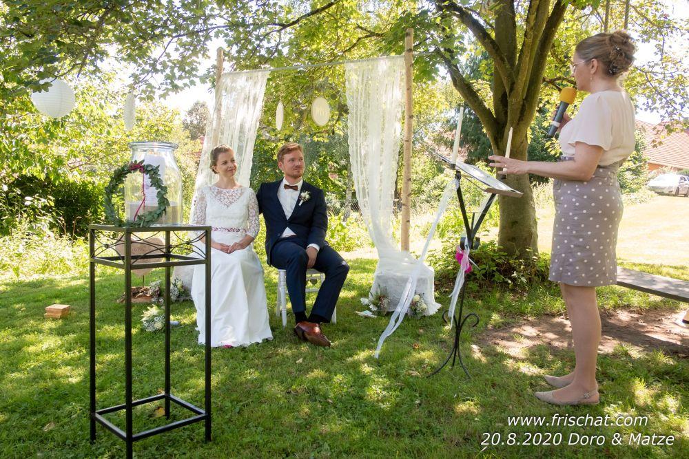 Freie Trauung & Hochzeit mit Elke Rott * Die Zeremonie - Landgasthof Sindram Ührde Osterode - Foto Hannes Frischat